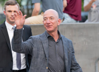 Amazon CEO Jeff Bezos has Sold Approximately $2.8 Billion Worth of Stock in the Last Week