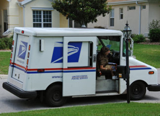 The Working Conditions of US Postal Workers Raise Concerns for Arizona Lawmakers